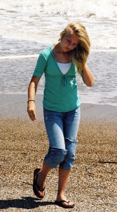 Savannah_kim_on_beach